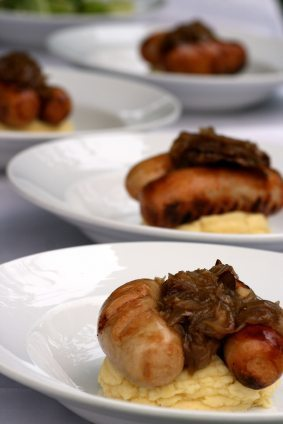 Classic-Sausages-and-Mash-with-Onion-Gravy-shoot-lunch
