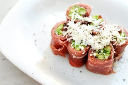 asparagus-wrapped-in-proscuitto-canape